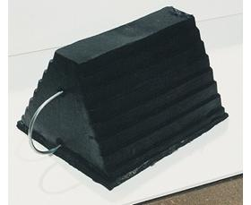 MOLDED RUBBER WHEEL CHOCK